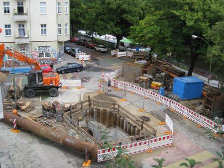 Schmutzwasser-Rückhaltebecken im Bau (Görlitzer Ufer, Landwehrkanal)